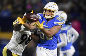 Photo of Chargers place franchise tag on Henry; release Davis, Mebane