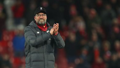 Photo of Liverpool's Klopp brought to tears by people singing YNWA for nurses