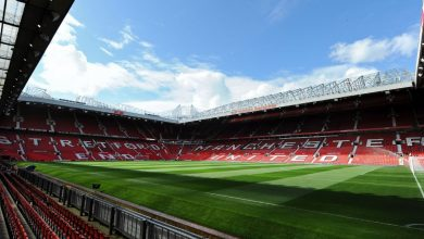 Photo of Man Utd fans in discussion with club over season tickets due to coronavirus crisis