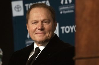 Photo of Boras to clients in memo: Don't bail out baseball owners