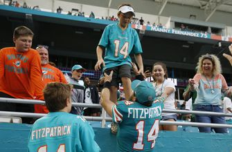 Photo of Fitzpatrick awaits battle with Tua for Dolphins' QB job