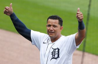 Photo of Miguel Cabrera reaches 2000th hit with Tigers, Twins lose fifth-straight game