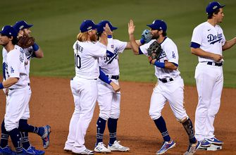 Photo of Dodgers advance after taking game two from the Brewers 3-0