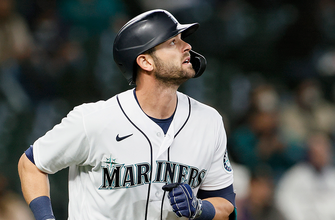 Photo of Mitch Haniger homers, drives in game-winning run in Mariners 4-3 win over Twins