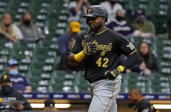 Photo of Gregory Polanco swats two-run homer in Pirates 6-1 win over Brewers