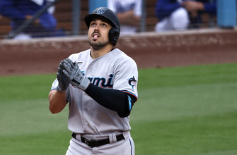 Photo of Adam Duvall's three-run shot all Marlins need in 3-2 win over Dodgers