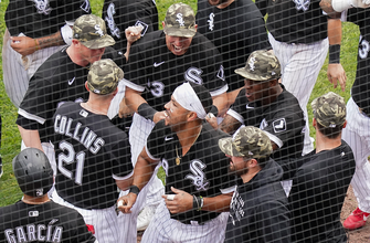 Photo of White Sox walk off on wild pitch, beat Royals, 4-3