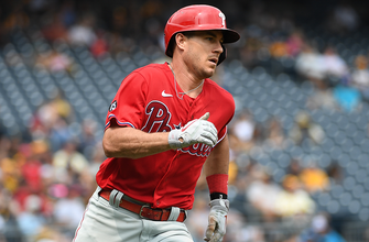Photo of J.T. Realmuto highlights Phillies 15-4 rout of Pirates with five hits, four RBI